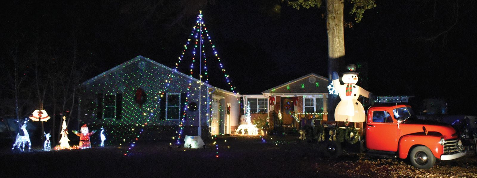 Holiday Home Decorating Contest, Nominate by December 11
